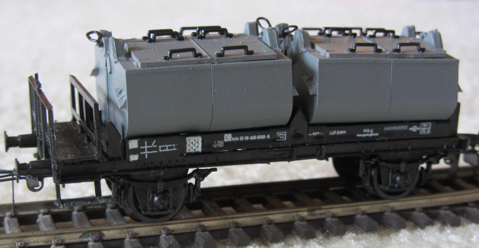 Behaelterwagenmodell.jpg